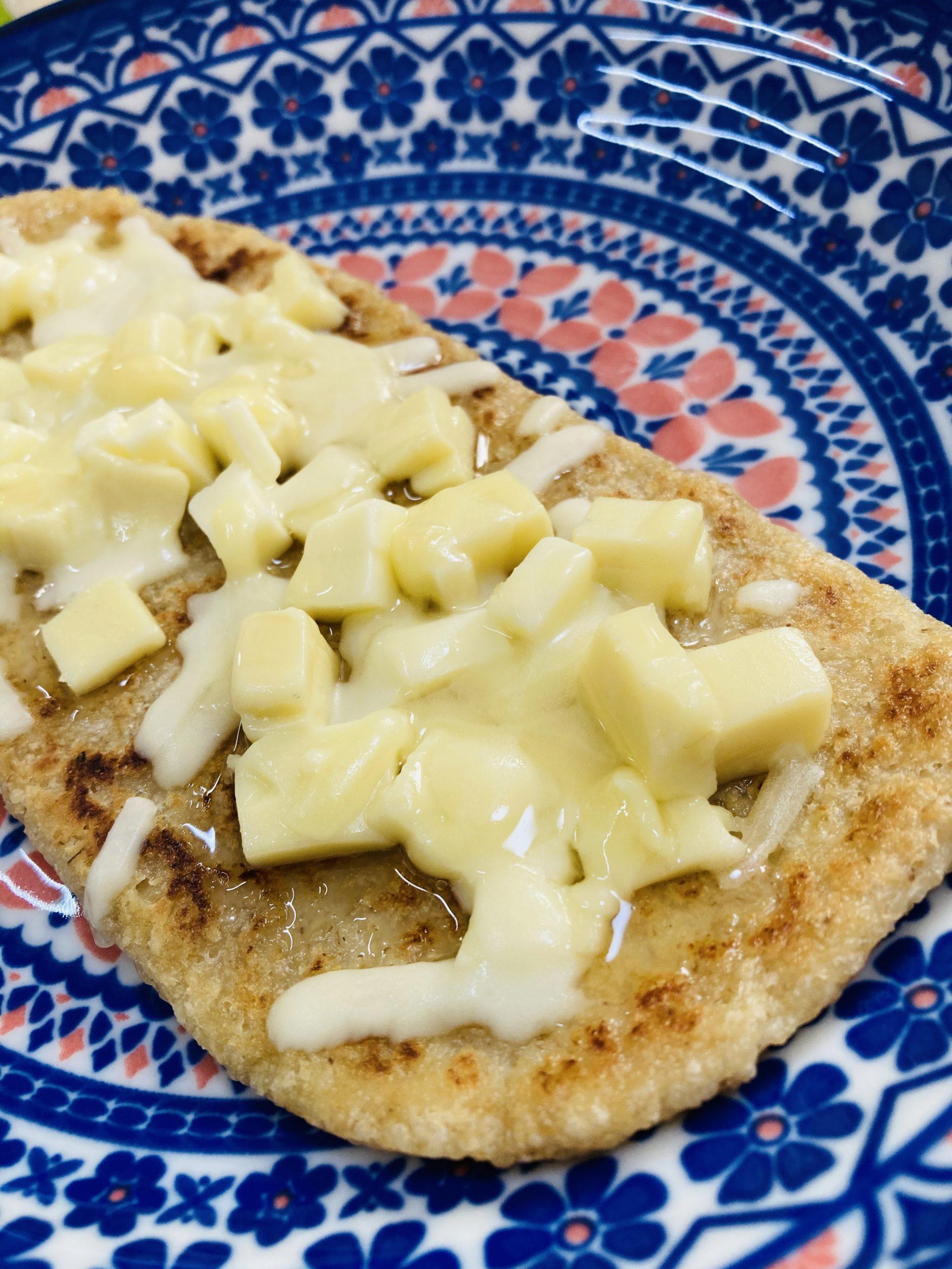 オートミール3種のチーズはちみつピザ